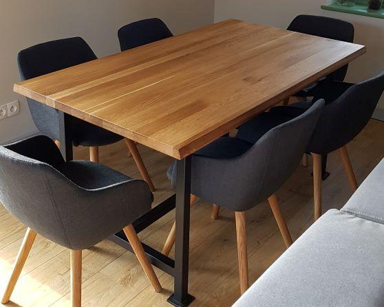 Stół do jadalni z dębowym blatem Wrangler II