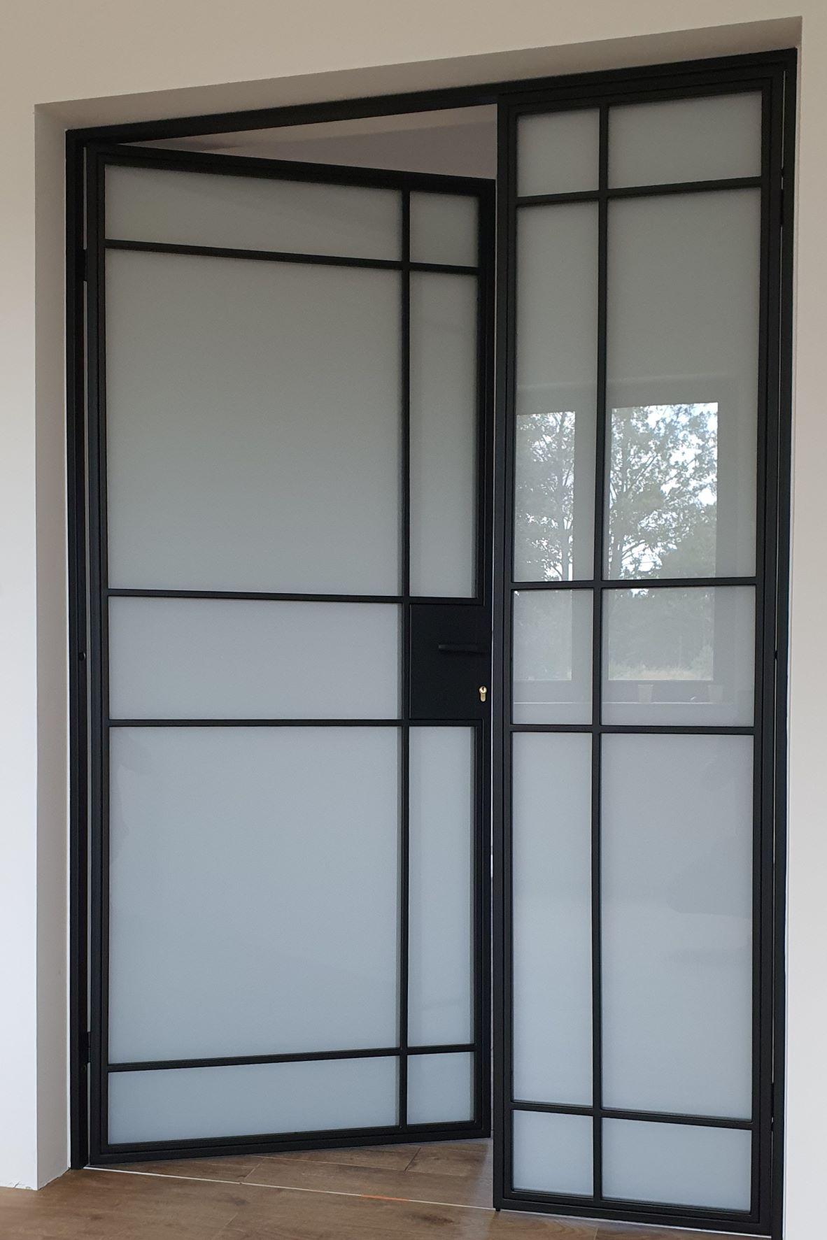 Drzwi loftowe-industrialne otwierane