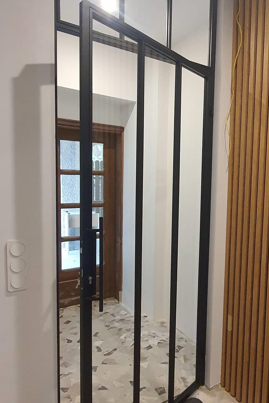 Drzwi industrialne otwierane